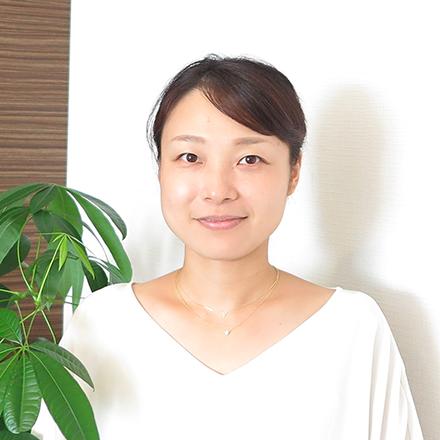 早稲田大学社会科学部卒業。大手金融サービス企業、メガベンチャー等でHRに携わった後、リクパー入社。現在はおもに組織・人材開発を手がける。産休・育休取得メンバー第1号。